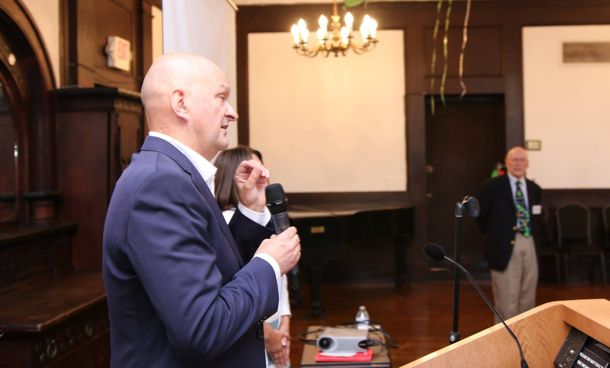 Stjepan Orešković Ph.D., Professor of Public Health at the University of Zagreb School of Medicine, Zagreb, Croatia, welcomes the students and professors to the Opening Reception